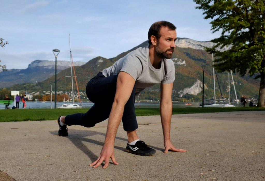 exercice mobilite pigeon squat